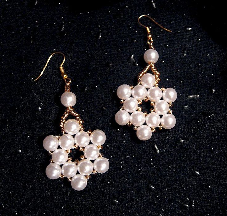 Free pattern for beaded earrings Pearl Of The Stars      U need:  pearls 4-6 mm (any size)  seed beads 11/0   [ad#Ads_post]