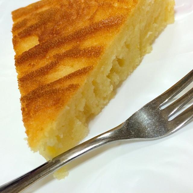 第二弾!炊飯ケーキですw 今回は普通にシンプルに ホットケーキミックス だけで作ってみました!!♤ - 72件のもぐもぐ - THE・シンプル 炊飯ケーキ第二弾ʕ̡̢̡•̫͡•ʔ̢̡̢ෆ⃛ by asyt42nkno527