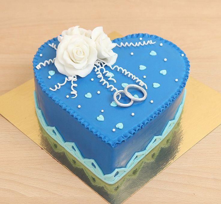 """Свадебный торт """"Сапфировая свадьба""""  Наша команда изготовит тортик на любой праздник или юбилей, даже на сапфировую свадьбу Настоящий сапфир не используем, но за натуральность начинки и креативность оформления можно не беспокоиться  Изготовление тортика на фото возможно от 2-х кг и всего 2150₽/кг  Специалисты #Абелло готовы помочь с выбором красивого и качественного десерта по любому поводу по единому номеру: +7(495)565-3838 Телефон/WhatsApp/Viber. Наш сайт с примерами работ www.abello.ru…"""