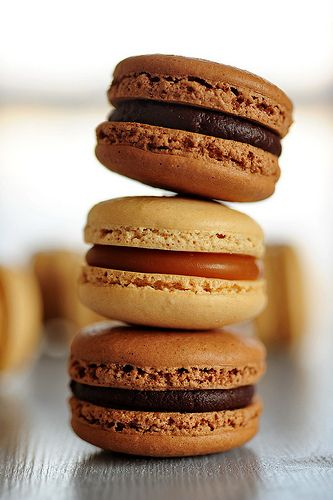 Chocolate Macarons with Salted Caramel Filling | #glutenfree #grainfree