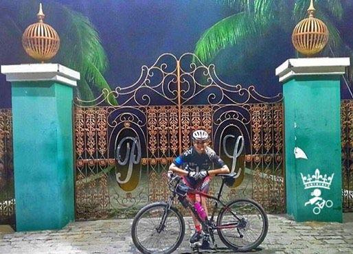 #Repost @marianceschelck #mtbqueens   Só se vê bem com o coração o essencial  é invisível aos olhos. #pequenopríncipe #mtbitaperuna #pedalamenina #bikegirls #borapedalar #burapedalar #forsbikers #mountainbikersbr #clicknabike #mtbbrasil #praquempedala #prefiropedalar #bicicletando_fotos #bike_naveia #pedalbikeetc #pedalaeclica #elasnopedal #pedalandoefotografando #clickbikesbrasil #penopedal  #pedaldehoje #porondepedalei #curtimosbike #cyclingwoman #mtbqueens #bikeshowciclismo…