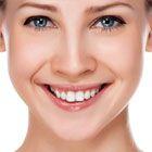 Durf je nog te lachen? Of wil je eerst zorgen dat je tanden wit zijn. Heb enig geduld. Sommige methoden hebben na 4 of 5 dagen resultaat. Het gaat ero...