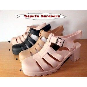 Sepatu Barabara Model Platform