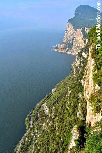 Turista di mestiere: Tremosine sul Garda: aveva ragione Churchill, è l'...