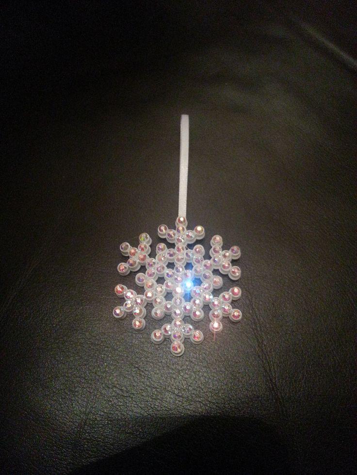 Hama beads rhinestone    Stine Fagerhaug BolleBoll Design  http://epla.no/shops/bollaboll/