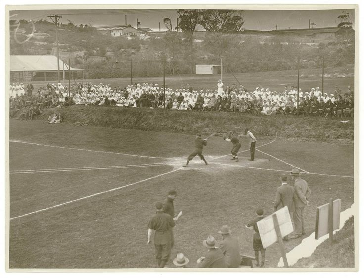 An enthusiastic crowd gathers to watch a baseball game - possibly between workplace teams - in Sydney in the 1930s. Sam Hood Collection, Mitchell Library, State Library of New South Wales: http://www.acmssearch.sl.nsw.gov.au/search/itemDetailPaged.cgi?itemID=153676