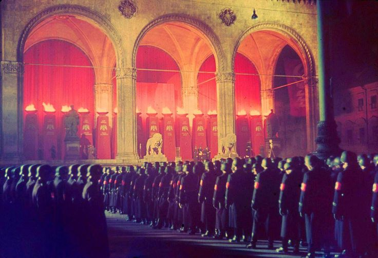 Annual midnight swearing in of SS troops at Feldherrnhalle Munich 1938.