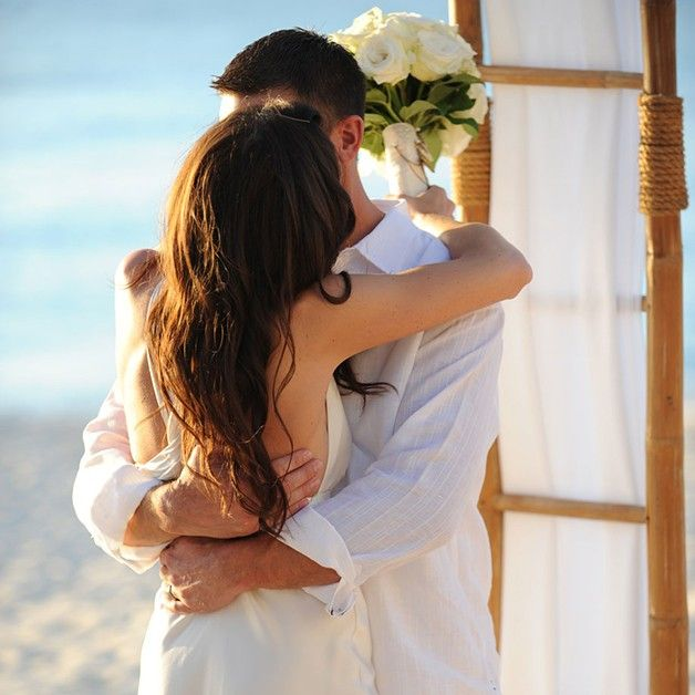 When you marry at http://www.grandoldhouse.com you weave the charm of authentic Caribbean plantation life together with contemporary elegance.