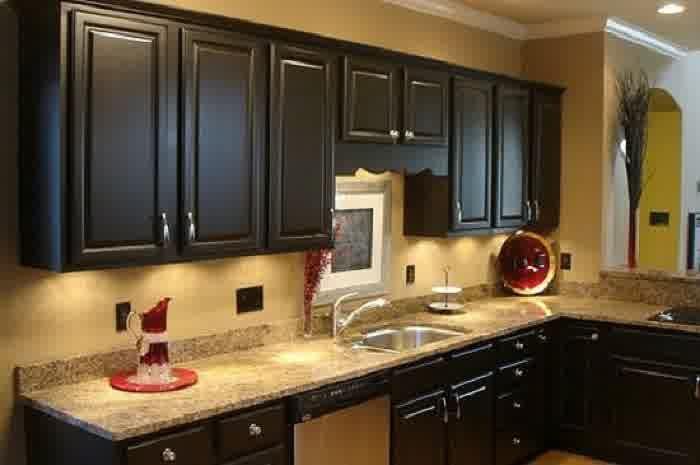Kitchen Modern White Granite Countertops Using Dark Wooden Cabinet For Elegant Small Kitchen Tip Black Kitchen Cabinets Black Kitchens Kitchen Cabinet Colors