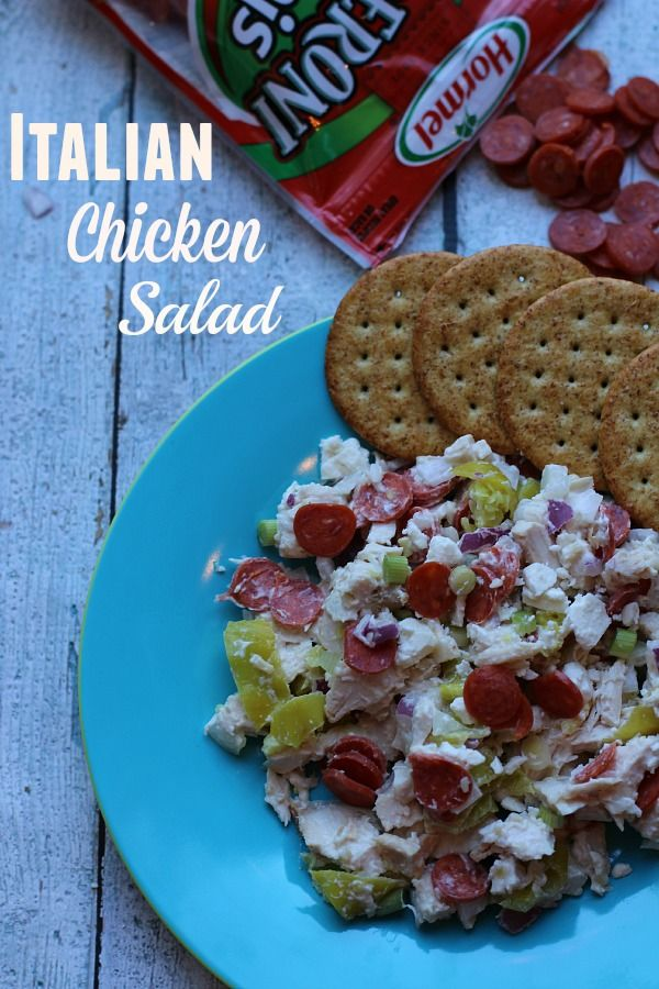 Looking for a seriously simple yet drool worthy dish for all your spring celebrations?  You'll find just that in our Italian Chicken Salad with Hormel Pepperoni! #PepItUp #ad