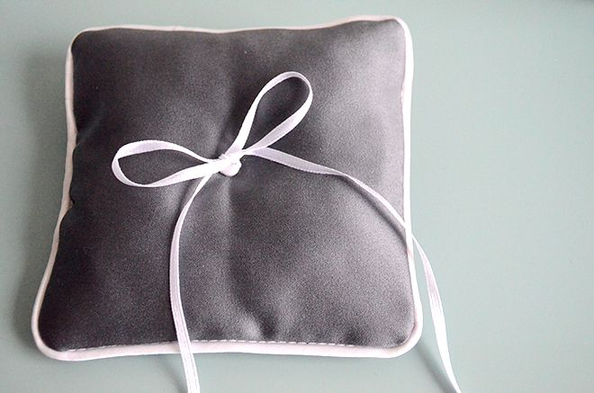 tutorial ringkissen selbern hen hochzeitsblog wedding. Black Bedroom Furniture Sets. Home Design Ideas