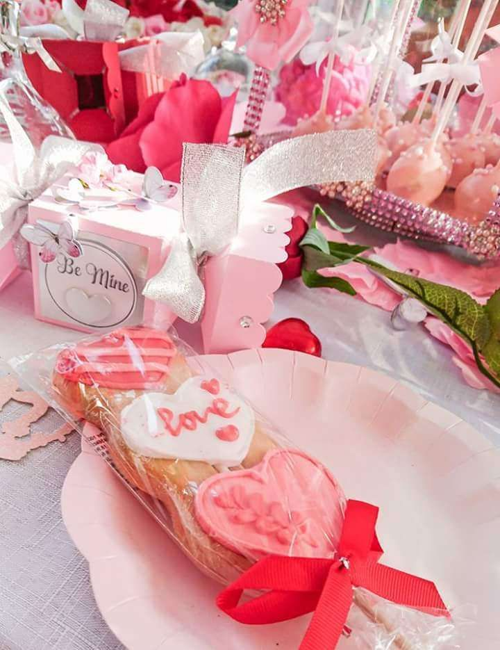 908 best Valentine\'s Day Party Ideas images on Pinterest | At home ...