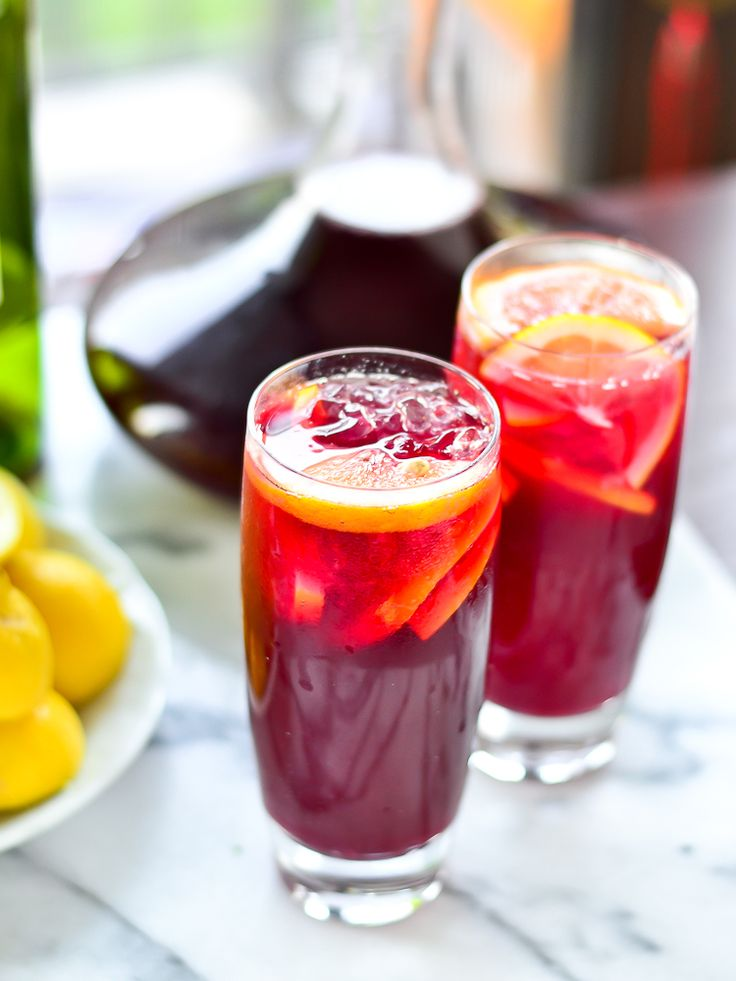 Tinto de Verano from Just Putzing Around the Kitchen. (Fizzy Lemonade and Red Wine)