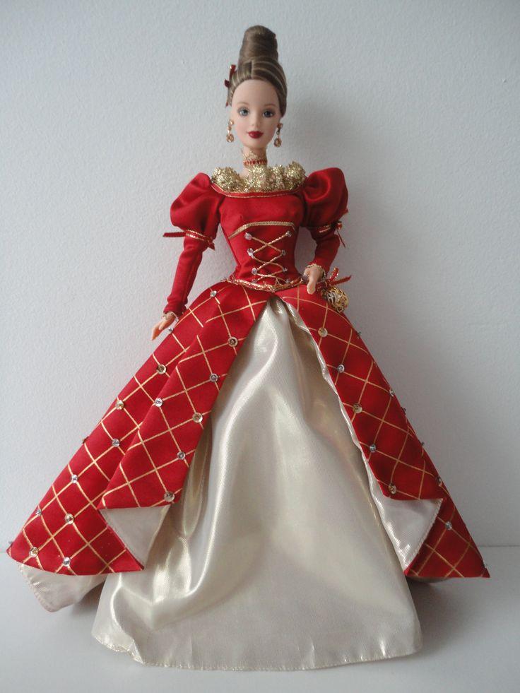 Barbie Holiday Treasures Blond BD1999 24669 in 2020
