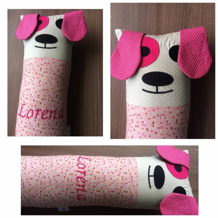 Almofada Cinto de Segurança confeccionada em tecido 100% algodão bordada cachorrinho com nome personalizado.  Escola a cor e nome personalizado