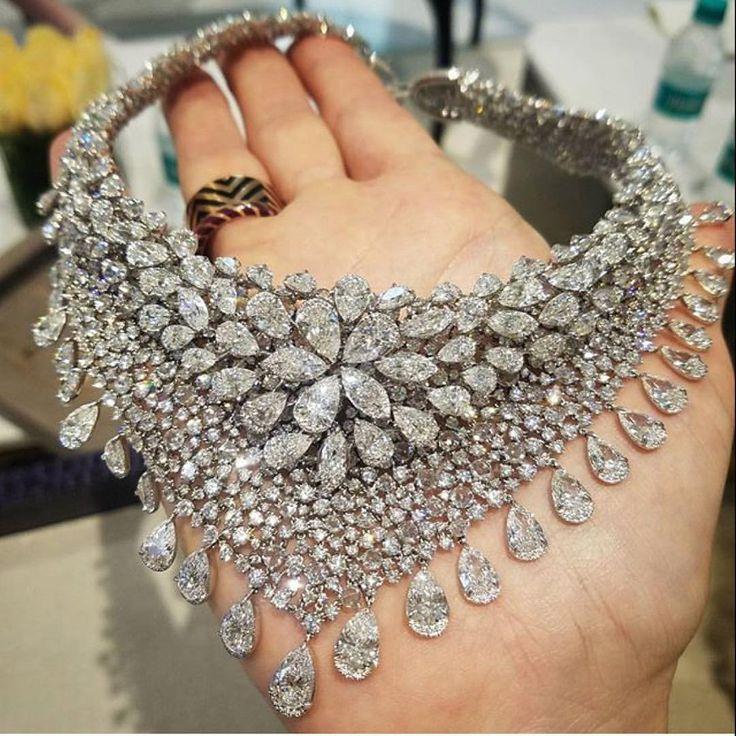 Nirav Modi  BOLA | 3 Jewelry (@bola3jewelry) on Instagram: Diamond Bib Necklace by @niravmodijewels as worn by #tarajiphenson at the 2017 Oscar's.