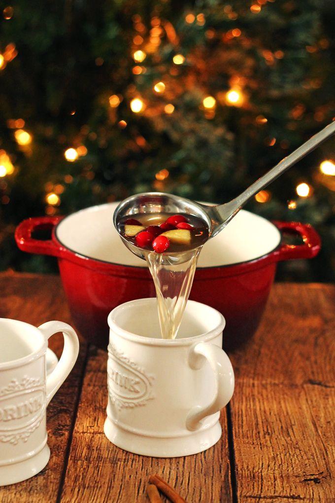 Mulled Apple Cider Sangria #sangria #christmasdrink