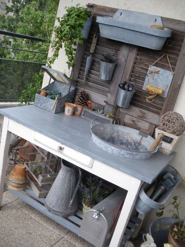 elegant table de rempotage with plaque de zinc pour recouvrir un meuble. Black Bedroom Furniture Sets. Home Design Ideas
