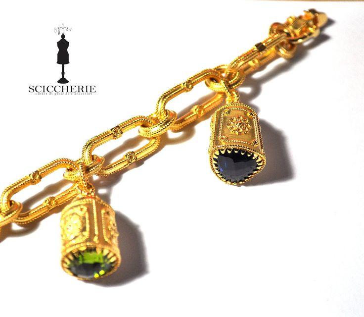 Bracciale bronzo in bagno d'oro giallo più quattro pendenti con pietre idrotermali