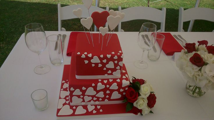 Our clients wanting to stick to their colour theme right down to the cake. A novel cake with great visual appeal.