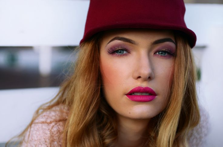 Rose quartz : #fashion #fashionblogger #makeup #pinkeyes #pink #softpink #catears #hatears #marsala #rosequartz #colours2016 #fashionista #outfit #jinglebells #winteroutfit #fairy #hat #winter #ootd