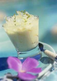 Mixez les amandes avec un peu d'eau pour obtenir une crème. Faites chauffer 2 litre d'eau, r...