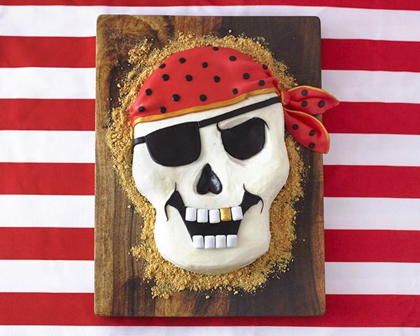How to make a Pirate Skull Cake at home! An easy yet professional looking cake perfect for a pirate birthday party.