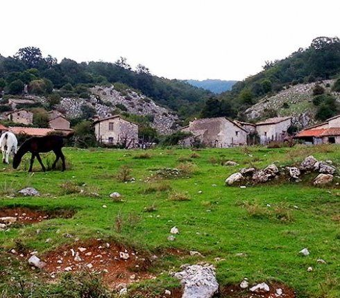 The pastoral village of Casette di #Cottanello in the Rieti province: an example of short transhumance