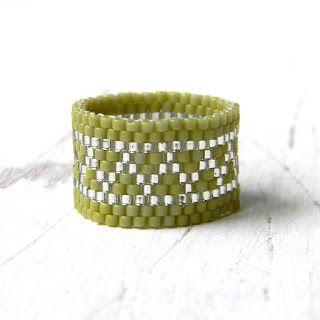 Оливковое кольцо из бисера peyote ring beaded ring beadwork jewelry seed bead ring beadwoven ring