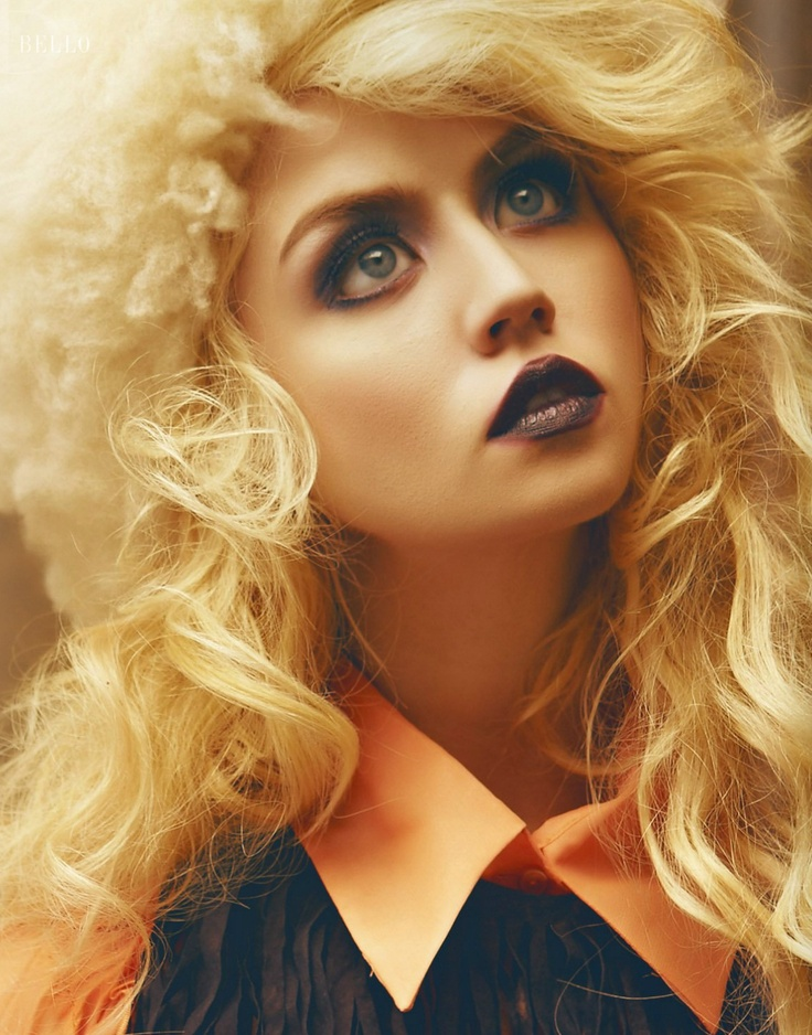 Allison Harvard. and that makeup. I love her
