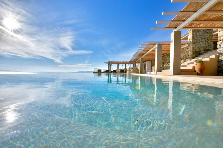 Villa Mirabelle is a marvelous villa in Greece with pool that offers the ultimate luxury holiday experience in Mykonos!