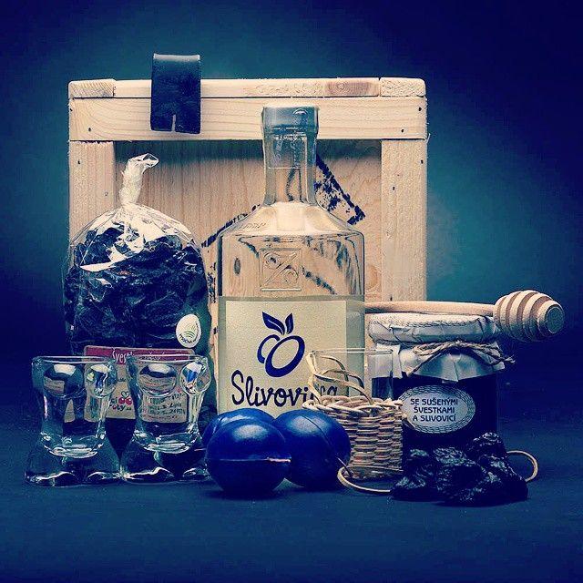 Bedna se slivovicou #PravaMoravskaSlivovica #alco #manboxeo #istagood #drink #love #napijtesesnami