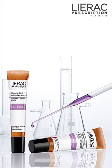 Οι καφέ κηλίδες εμφανίζονται υπό την επίδραση διαφόρων παραγόντων όπως η έκθεση στις ακτίνες UV, οι ορμονικές διαταραχές , η χρήση φωτοευαίσθητων φαρμάκων και κυρίως η γήρανση... Εμφανίζονται συνήθως στο πρόσωπο, το ντεκολτέ και τα χέρια  Η εξαιρετική λύση LIERAC PRESCRIPTION-DEPIGMENTANT Αποτελεσματικότητα και ανεκτικότητα επιστημονικά αποδεδειγμένες - χωρίς άρωμα