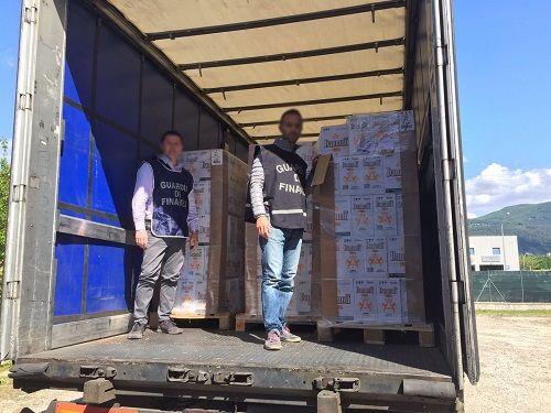 Rieti mercato nero: sequestrate oltre 78 tonnellate di alcol puro e vodka