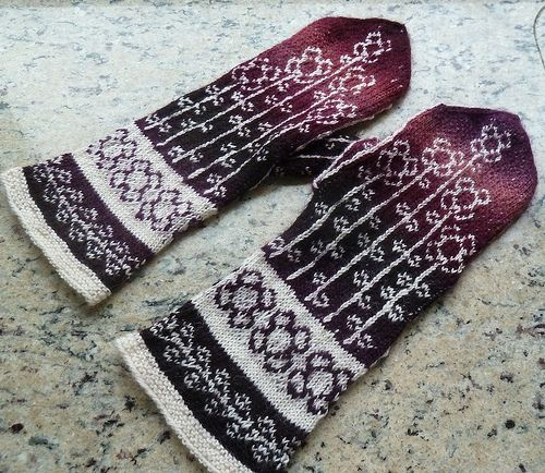Uses the Schoppel-Wolle Zauberball. FREE pattern on Ravelry: Annette's Vinterblomster mittens