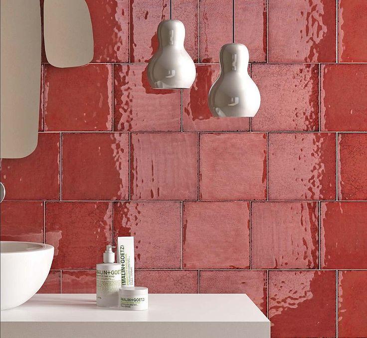 https://tile.expert/img_lb/Iris/Maiolica/per_sito/ambienti/Maiolica-Iris-7.jpg , Public spaces, Bathroom, Patchwork style, Ceramics, wall, Glossy, Non-rectified