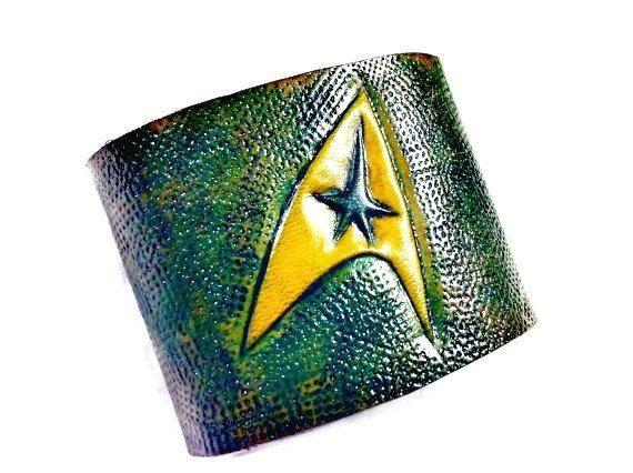 Star Trek,Star Trek Cuff,Leather Cuff,Gamer Gift,Gamer Girl,Star Trek Symbol,Star Trek Bracelet,Star Trek Gift,Birthday Gift,Boyfriend Gift