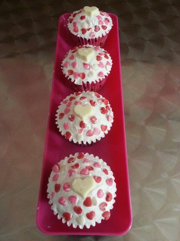 #Cupcakes de #AmorYAmistad para la pareja ideal. Siguenos #PasteleriaSoSweet