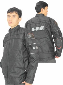 Jaket motor akhir-akhir ini menjadi tren sendiri dalam dunia pecinta motor.