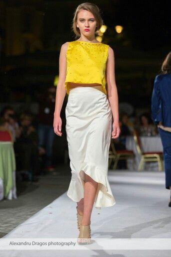 Wonderland Womenswear , Soft sparkling details, feminin silhouette