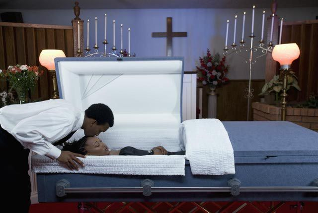 Funeral Etiquette and Mourning Rituals in Various Religions