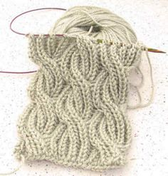 Ravelry: B0adicea's Reversible Cabled Brioche Stitch Scarf