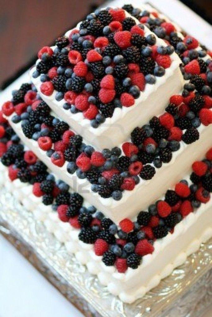 #Classica: #Torta crema e frutti di bosco. Sempre bella, non vi pare? www.danielasposa.it #weddingideas