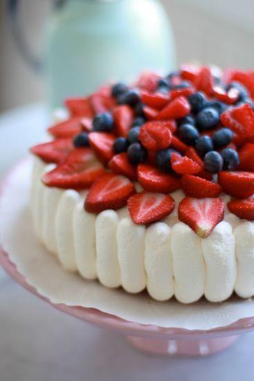 Sommartårta av Leila Lindholm
