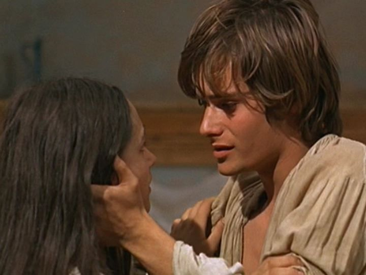 juliet s maturity The major themes of romeo and juliet include love v lust, the passage of time, the role of fate in one's life, the role of women, and love vs hate you'll find a.
