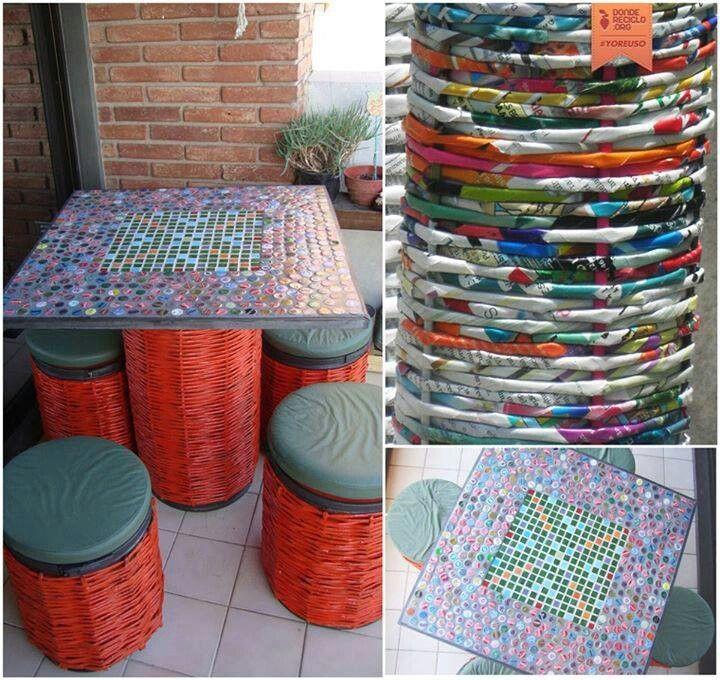 Tachos de carton grueso recubiertos con papel reciclado y técnica de mosaico con chapas de gaseosas