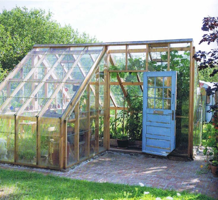 Gjenbruk av materialer gjør seg godt i drivhus.