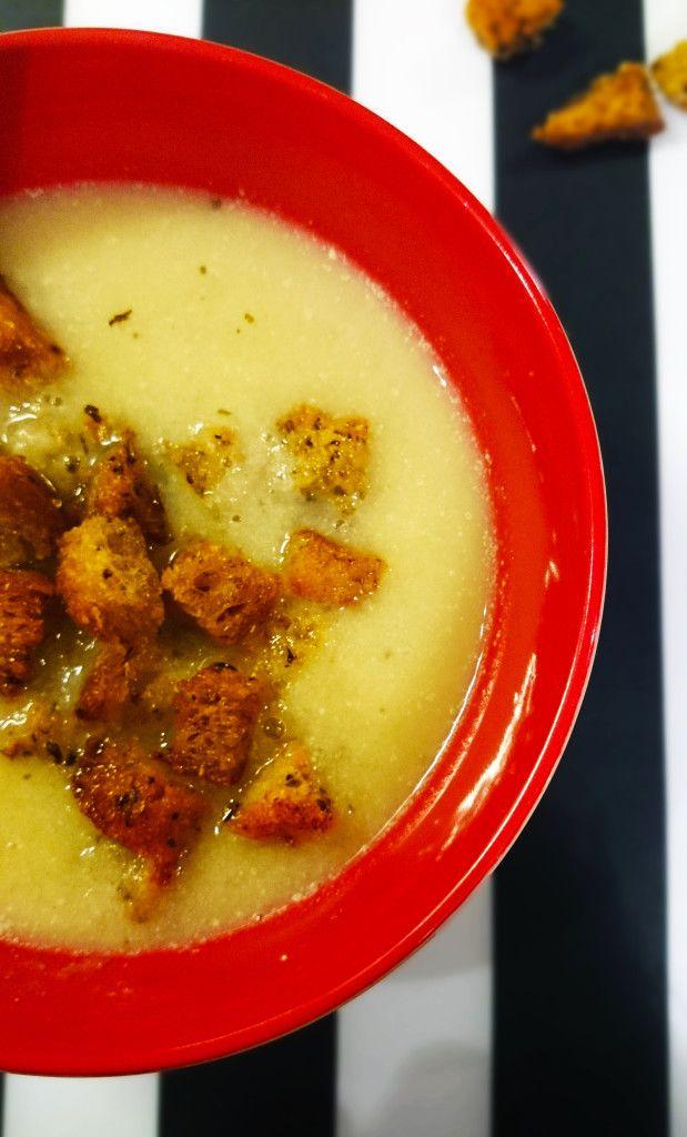 Leek soup with lovage and wholemeal croutons :) | Zupa z porów z lubczykiem i razowym grzankami :)