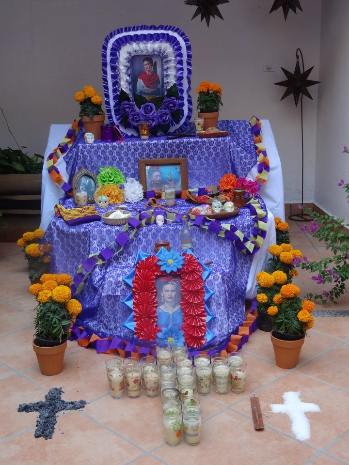 Altar 2011 dedicado a Frida Kahlo en #HotelCatedral # ...