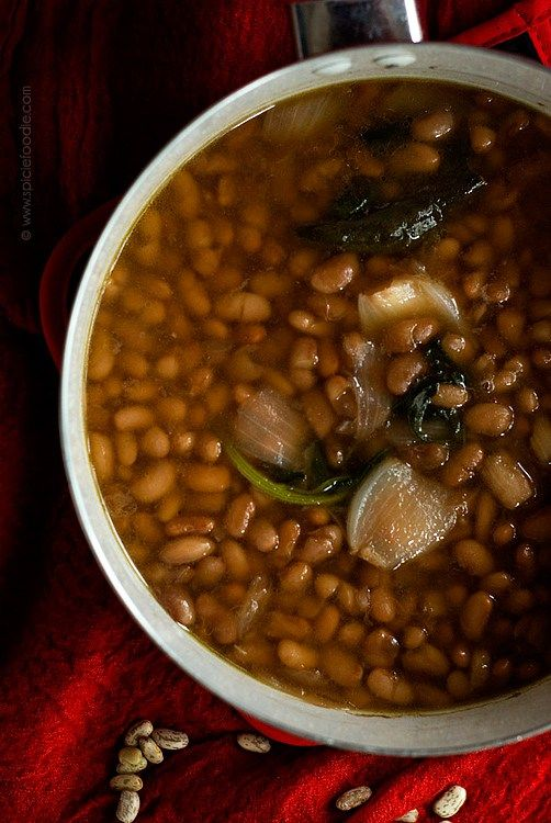 Frijoles de Olla: How To Make A Pot of Mexican Beans by @SpicieFoodie | #beans #mexican #cookingbasics